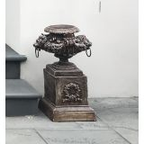 Lion urn with Plinth