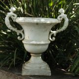 Urn with two ladies White 38cm